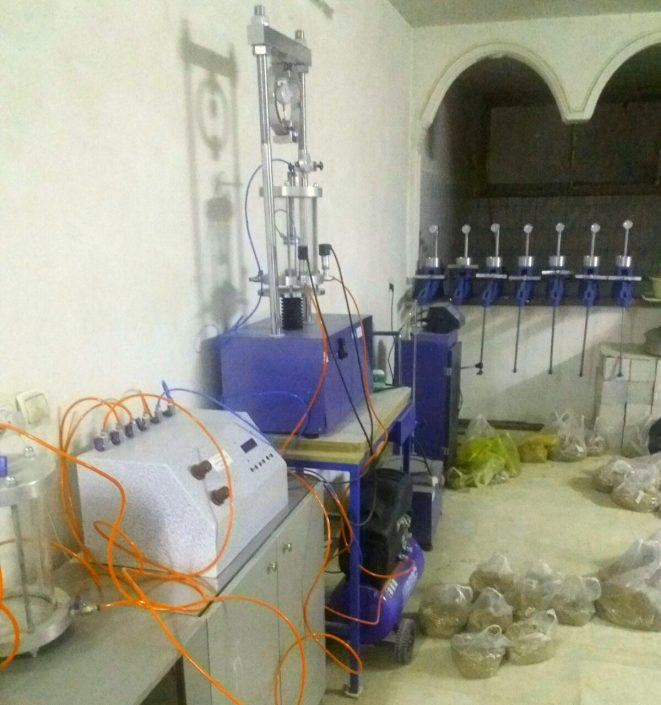 آزمایشگاه خاک